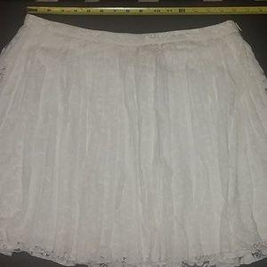 Pleat lace skirt
